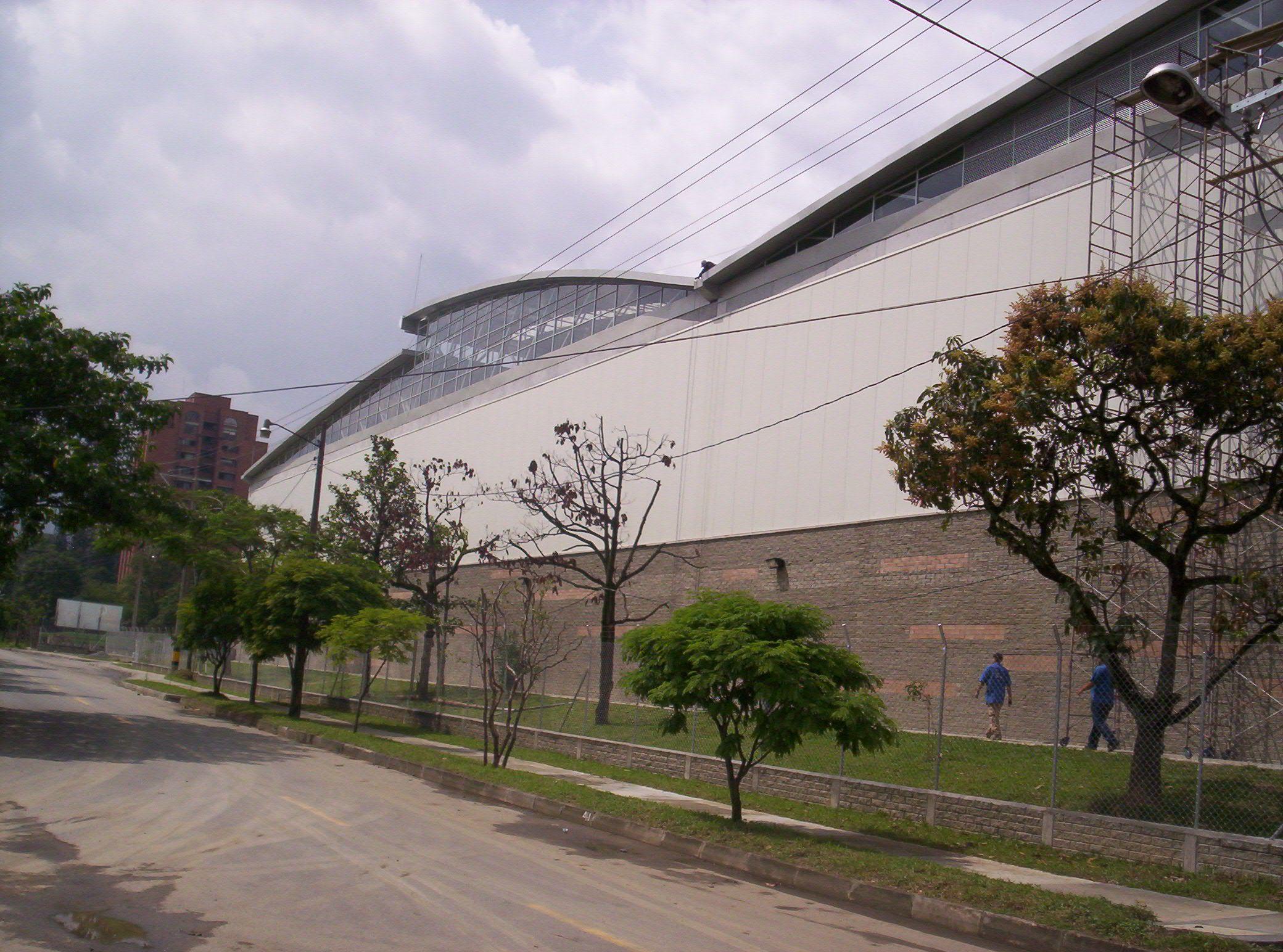 Centro de Distribución Inversiones Pinamar - Reforma del centro. Año de construcción: 2005 Ciudad: Envigado, Antioquia, Colombia. Cliente: Inversiones Pinamar S.A.
