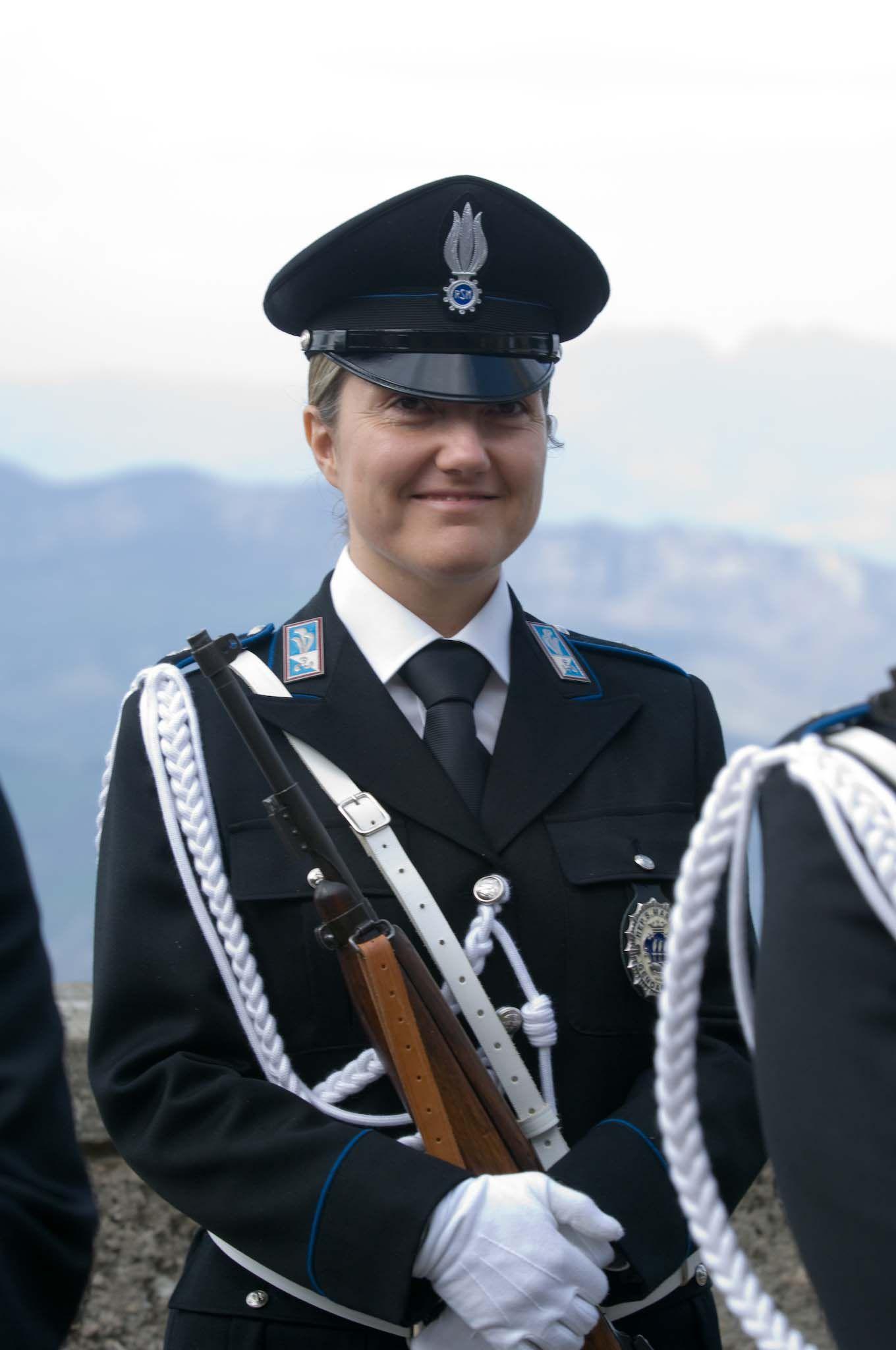 Epingle Sur Femmes Militaires