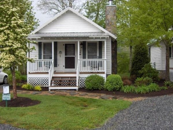 Tiny House Real Estate Tiny Small Homes With Land Tiny Cottage Small House Cottage
