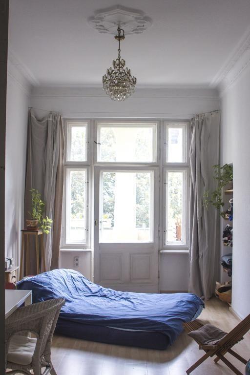 Einrichtungsidee fürs Gästezimmer großes Bett, SChreibtisch, klein - Schreibtisch Im Schlafzimmer