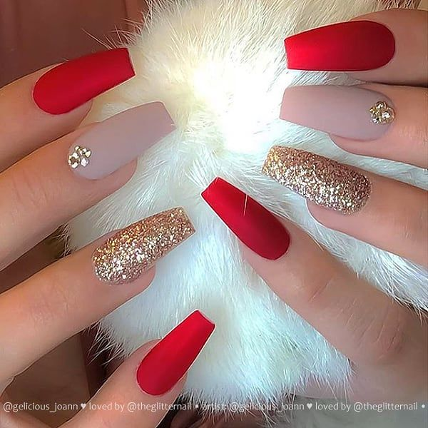 Matte Red And Taupe With Crystals And Gold Glitter On Coffin Nails Coffinnails Rednails Glitt Winter Nails Acrylic Best Acrylic Nails French Manicure Nails