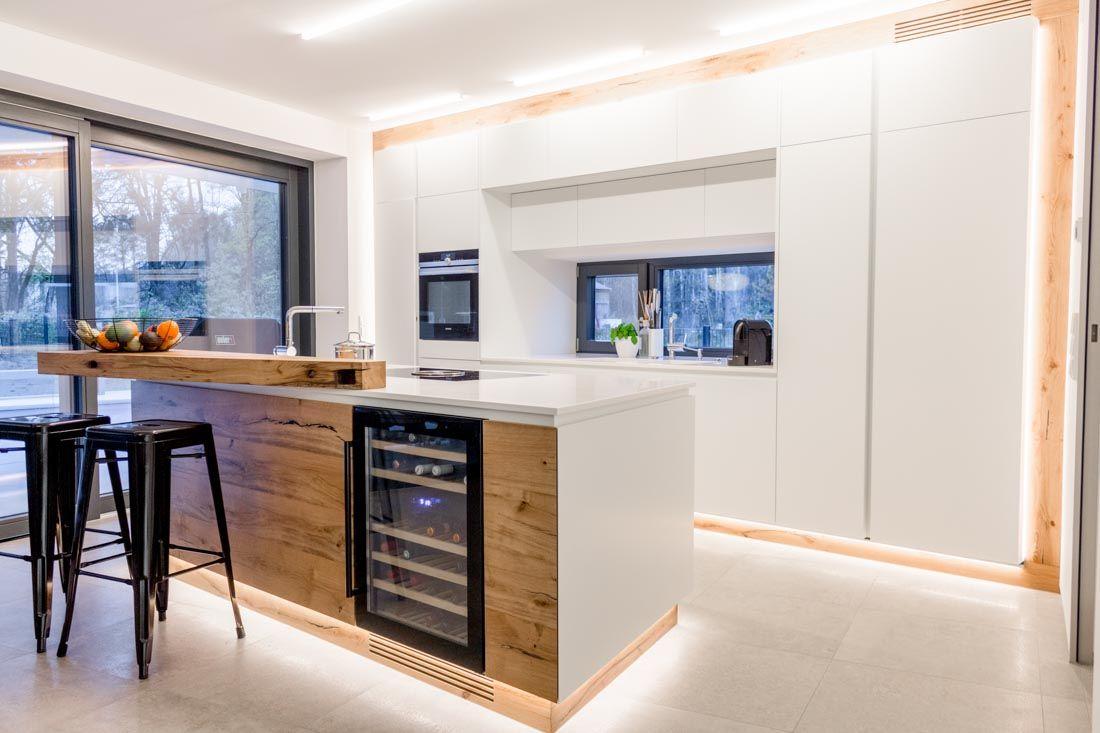 Küche Mineralwerkstoff / Eiche + Sitzlounge  Küche eiche, Haus