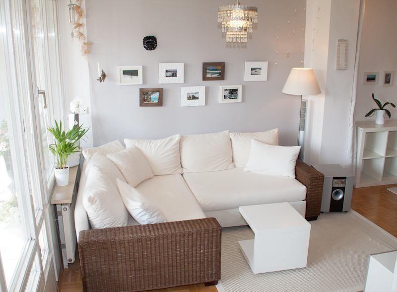 Die hellen, freundlichen Farbtöne und die schöne Eckcouch machen - gemütliches sofa wohnzimmer