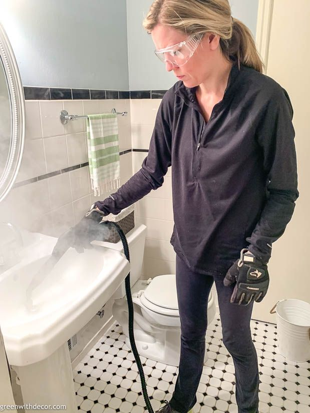 How to use a steam cleaner to clean a bathroom   Cleaning ...