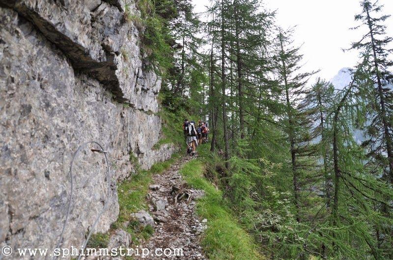 Visit Trentino, in cammino verso la Malga Spora http://www.sphimmstrip.com/2014/08/visit-trentino-vivere-esperienza-di-un-alba-in-malga.html #albeinmalga