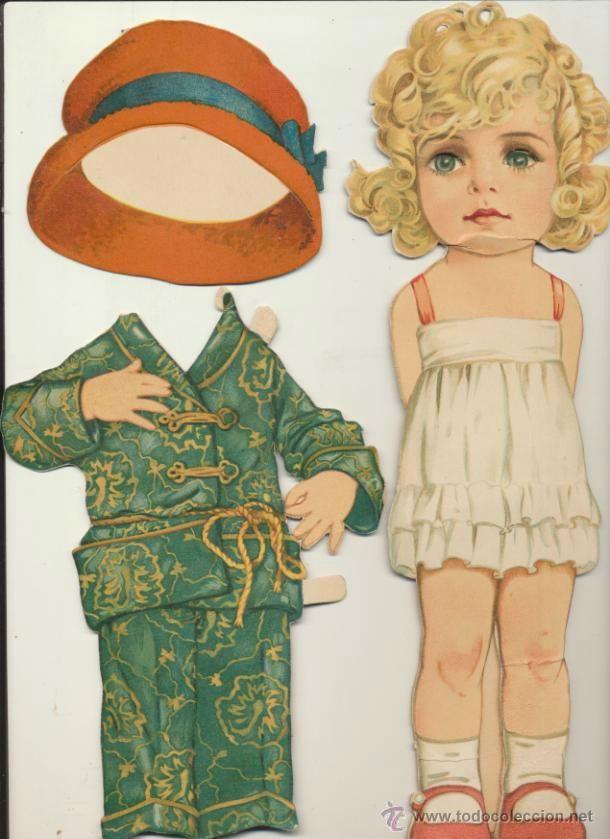 Recotable (cartón) de Muñeca (30 cm) con sus vestidos y accesorios.Años 30-40. La