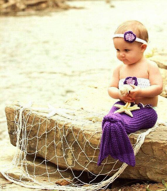 I'd SO have my lil' girl in one of these.... too adorable!!!! (kimberly)