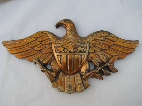 Vintage Hand Carved /& Painted American Eagle Folk Art Plaque In Excellent Condition
