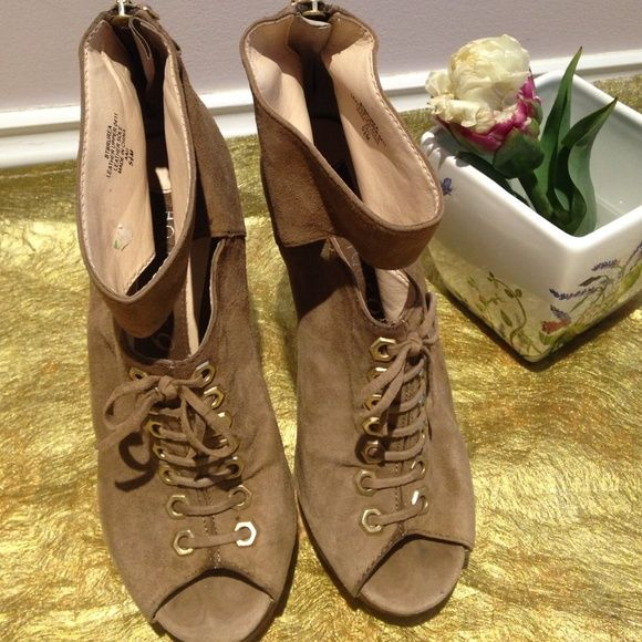 Boutique9 shoes Authentic , worn a lot.  Stylish! Leather! Donating next week! Boutique 9 Shoes