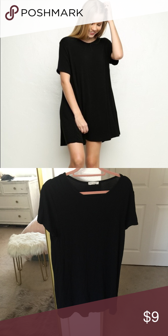 cce0924cc23b ... t-shirt dress from Nordstrom. Worn 1-2 times, no flaws. Looks super  cute with a knot tied in the front! Looks exactly like the Brandy Melville  one.
