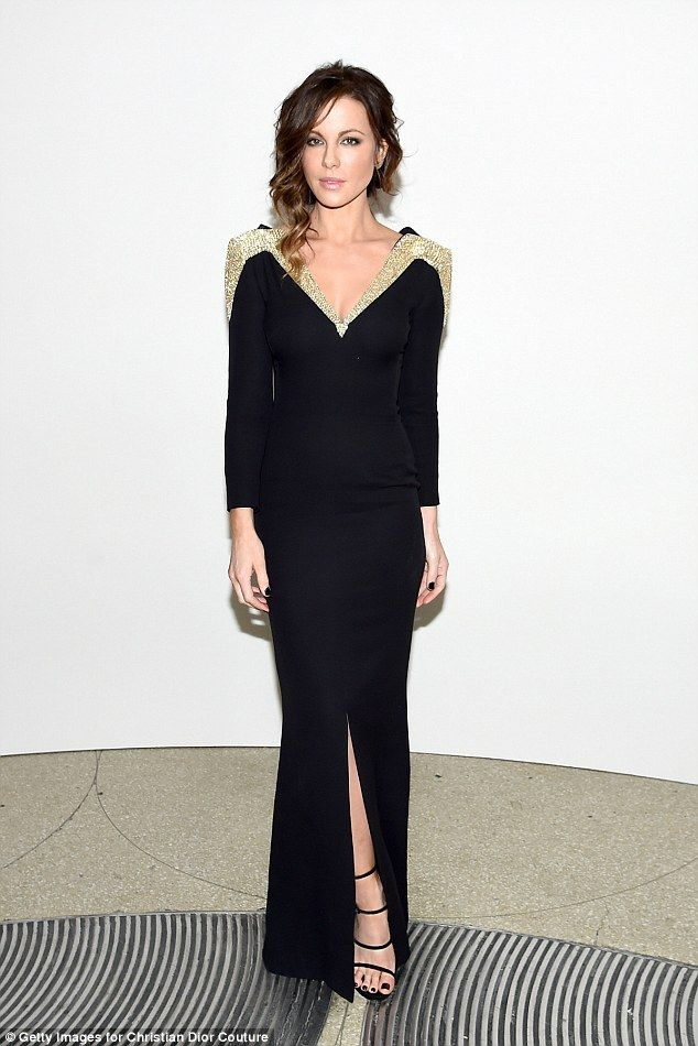 Kate Beckinsale looks mesmerizing in Dior gown at Guggenheim gala ...