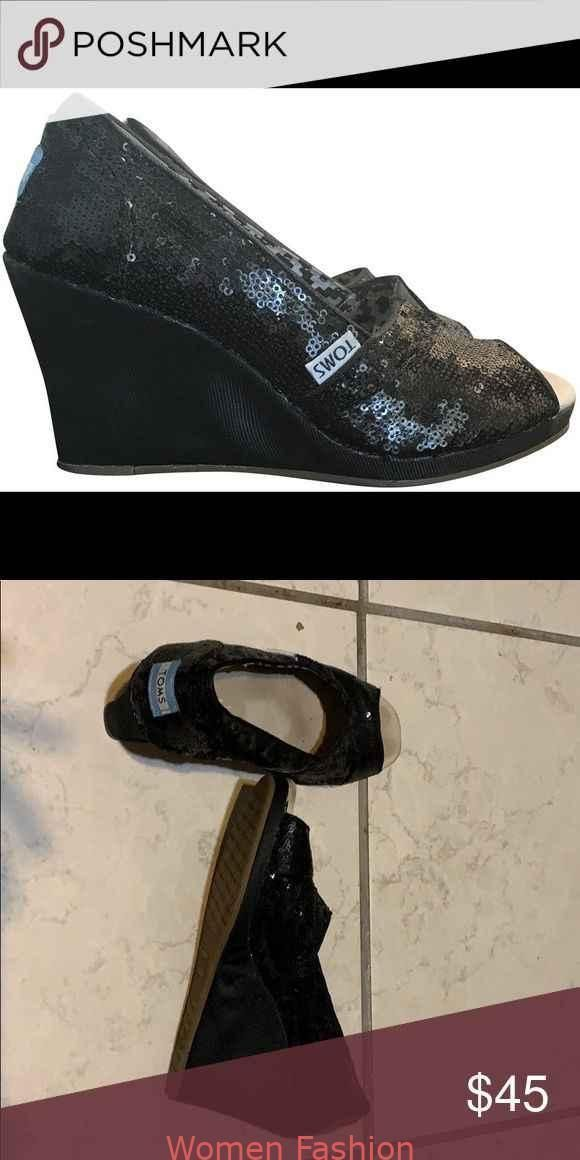 Toms black sequin wedge Barely worn toms wedges Perfect for a fun date night sbarely Toms black sequin wedge Barely worn toms wedges Perfect for a fun date night sbarely...