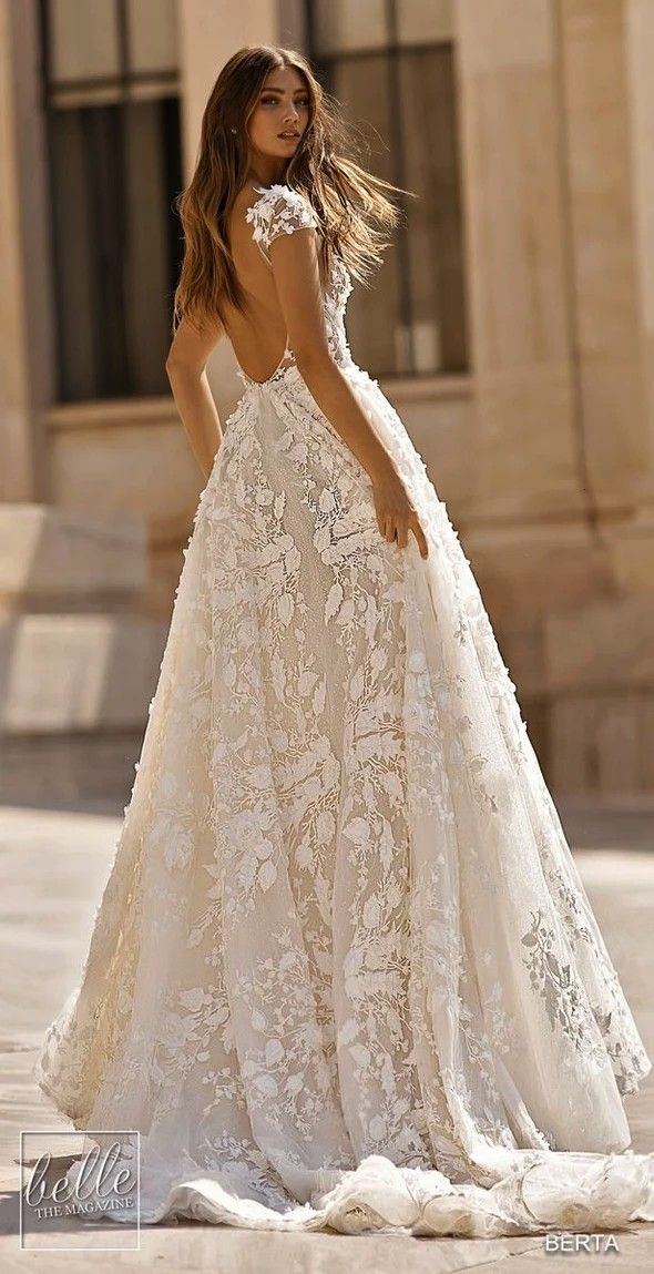 And Beautiful Tea Length Wedding Dress For Girl  mylovecloth Source by dashulyastratienko3092 dress 2019Fashion And Beautiful Tea Length Wedding Dress For Girl  myloveclo...