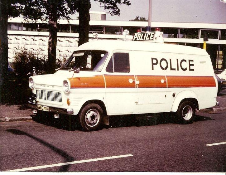 Liverpool Police Ford Transit Accident Unit - 1975. & Liverpool Police Ford Transit Accident Unit - 1975. | Police Car ... markmcfarlin.com