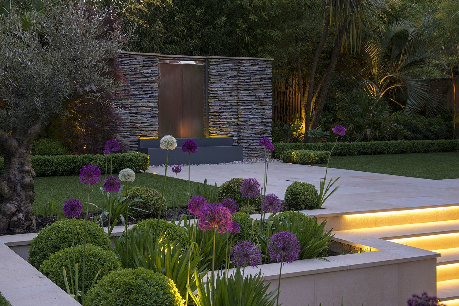 Kate Gould Gardens - Contemporary Garden Design Twickenham #contemporarygardendesign