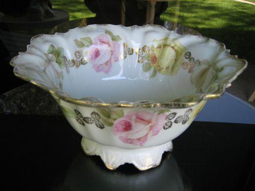 Prussia Centerpiece Fruit Bowl Rose Pattern
