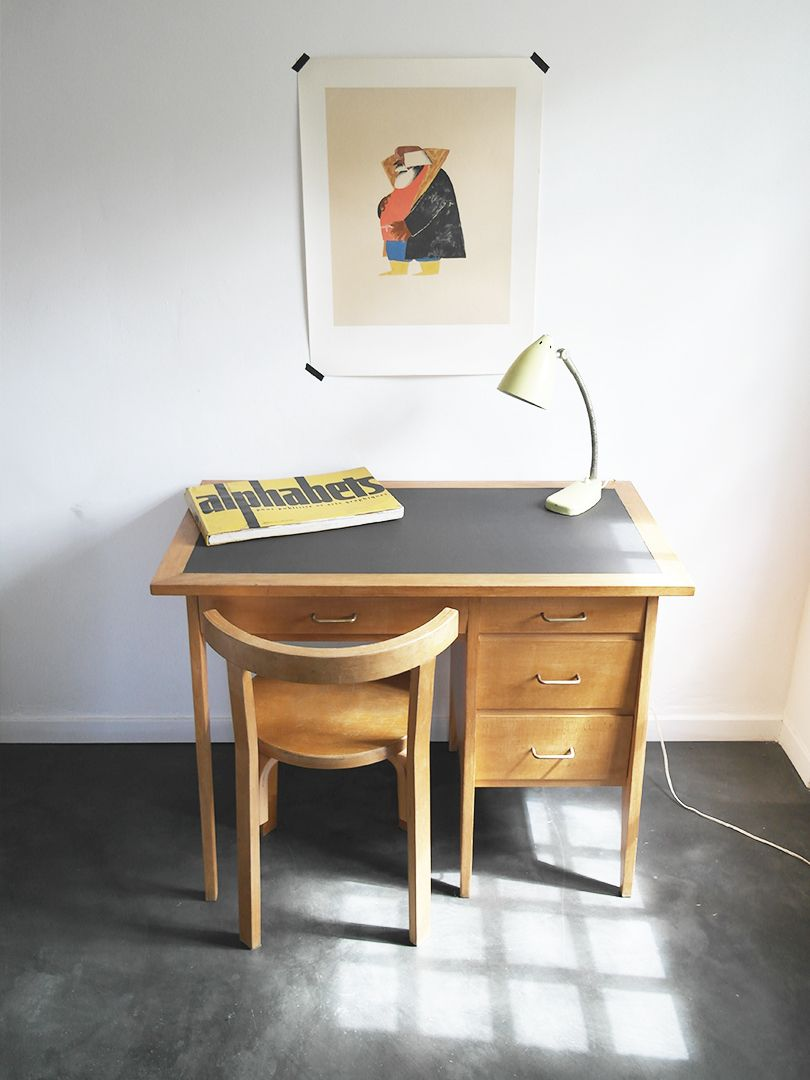 Petit bureau anne 50 en bois blond pieds compas et poigne d