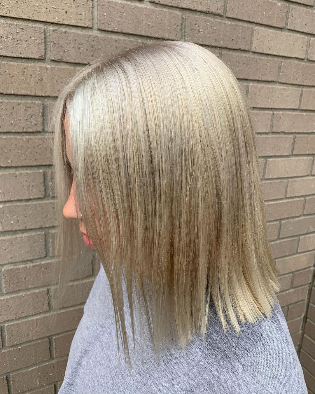 👀 . . . . . . . . #livedin #livedinblonde #livedinhair #livedincolor #redken #redkenshadeseq #redkenobsessed #redkencolor #redkenready #redkenrecipe #shadeseq #blonde #blondehair #platinumblonde #platinumhair #icyblonde #hairtransformation #beforeandafter #hairofinstagram #hairofig #hairofig #hairstyles #haircolor #hairstylist #hairgoals #hairpainters #hairbestie #haireducation #hairmakeover #hairbrained #stylistssupportingstylists