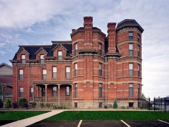 97 Winder Detroit Michigan Built In 1876 Originally Owned By John Harvey Mansions Mansions For Sale Abandoned Mansion For Sale