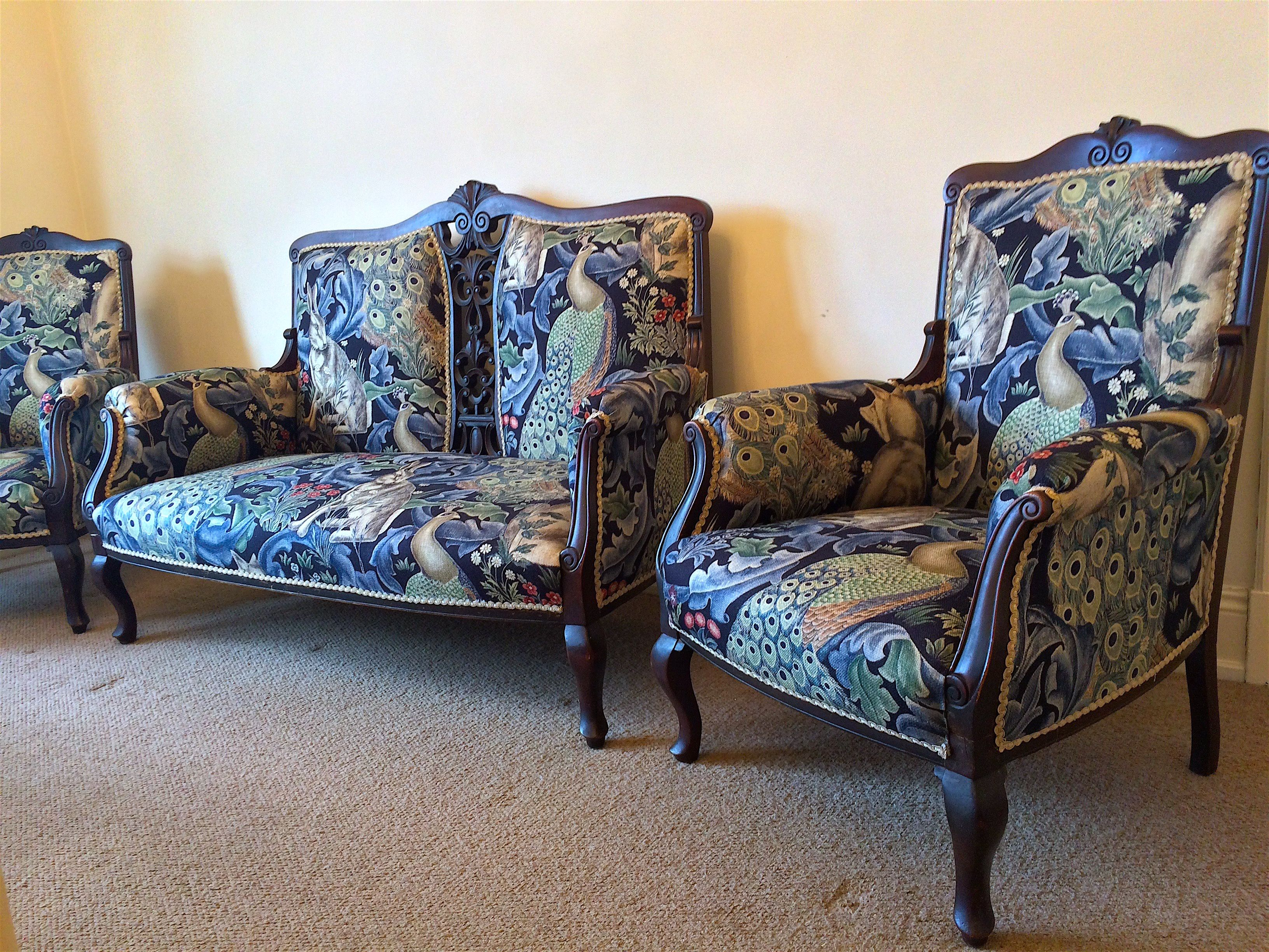Beautiful small victorian antique sofa and 2 x chairs - finished ...