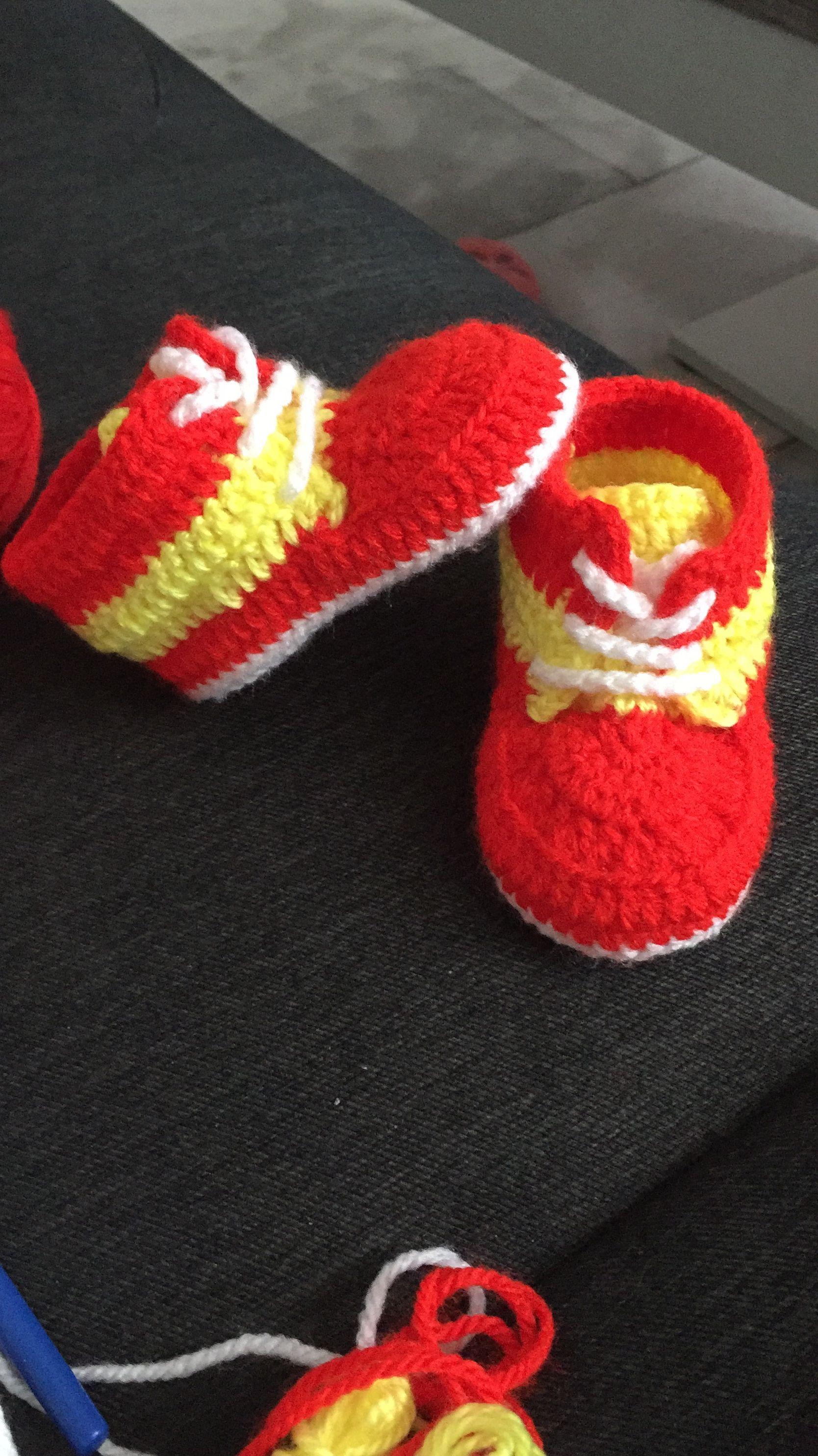 Häkeln, babyschuhe, Galatasaray | Örgü dersi | Pinterest