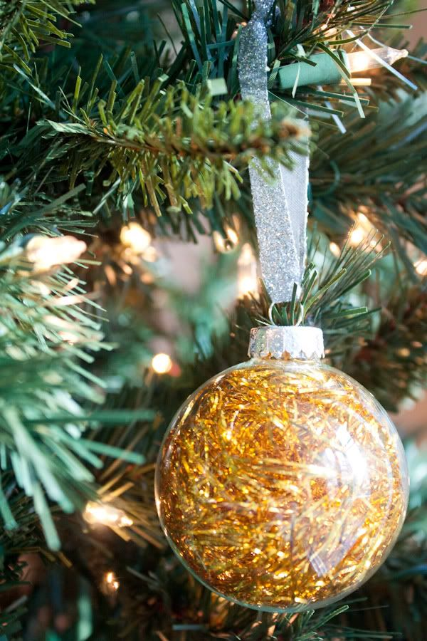 Clear Ornaments filled with Tinsel...Easy, sparkly and inexpensive - Clear Ornaments Filled With Tinsel...Easy, Sparkly And Inexpensive