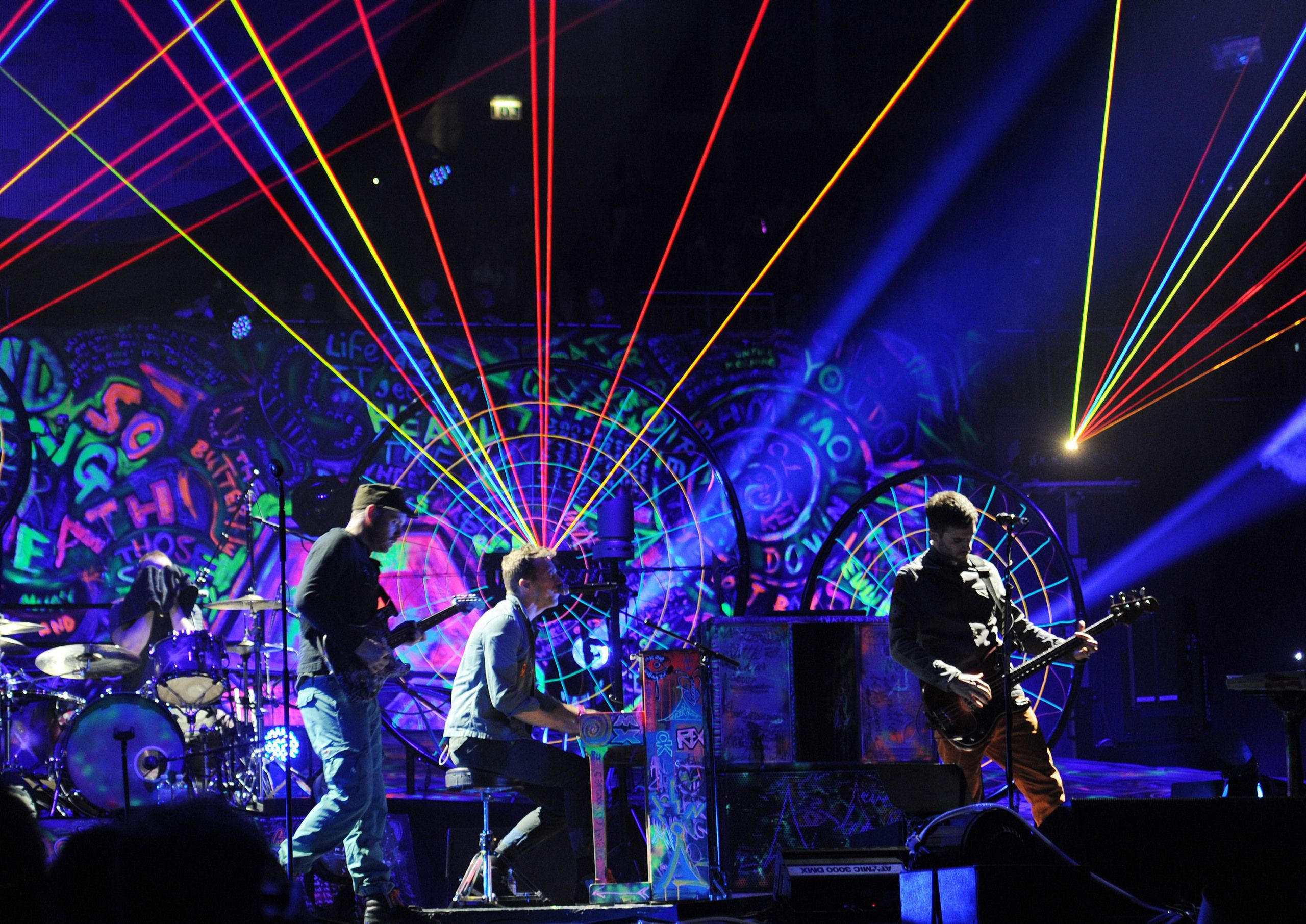 Concert review coldplay coldplay coldplay music and chris coldplay mylo xyloto voltagebd Choice Image