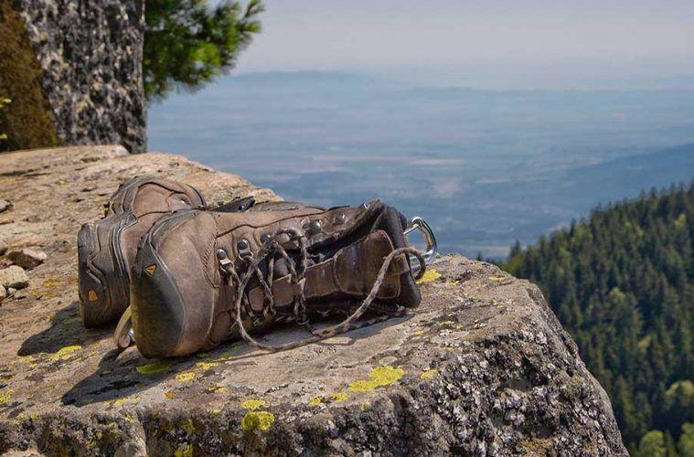 Foto: Vlad Tchompalov / Cuidado de los pies en senderismo: protégelos cuando estés en ruta. El calzado correcto. Calcetines en óptimas condiciones. Evita la formación de ampollas.