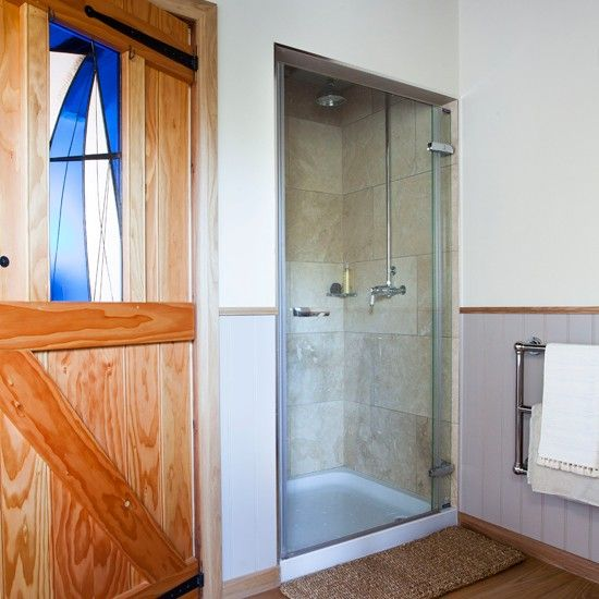 Duschraum Mit Getäfelten Wänden Wohnideen Badezimmer Living Ideas Bathroom