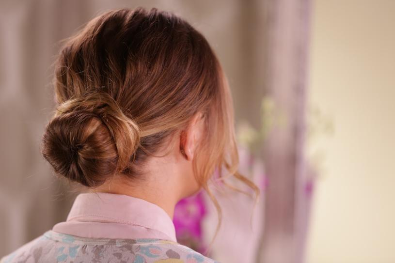 Discover The Secret To The Perfect Sock Bun For Short Hair More Short Hair Bun Hair Styles Great Hair