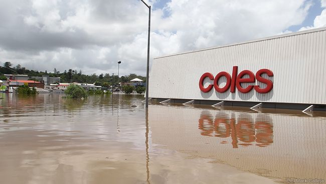 Flooding In Ipswich Coles Supermarket In Brisbane St Ipswich Gif Ipswich Natural Disasters Supermarket