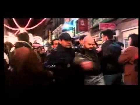 El Dia de la Bestia(1995)  Critica: http://www.blogdecine.com/criticas/el-dia-de-la-bestia-quemando-el-hipocrita-espiritu-navideno#