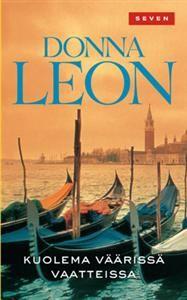 #DonnaLeon #Kuolema #väärissä #vaatteissa Venetsialainen Guido Brunetti saa vastaansa hienot seurapiirit. Kunniallisia venetsialaisia ei juuri hetkauta kun Margherasta löytyy transvestiittiprostituoidun ruumis. Mies olikin Banca di Veronan kunnioitettu johtaja. Tutkimukset johdattavat Brunettia yhä korkeammalle Venetsian nimekkäiden piireihin. Ja yhä enemmän hänen on syytä varoa ettei häntä itseään löydetä kanaalista