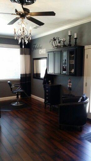 In Home Salon Love The Clean Crisp Feel Also Like The Black Furniture Home Salon Home Hair Salons Salon Interior