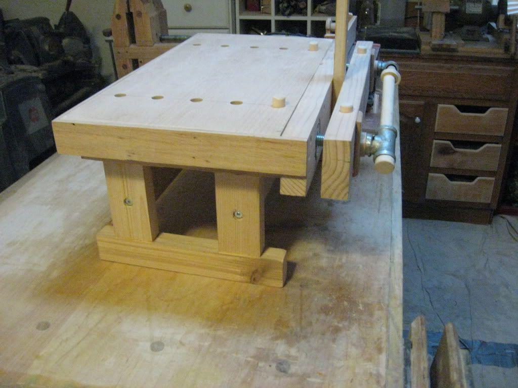 A benchtop bench moxon vise by tinnocker