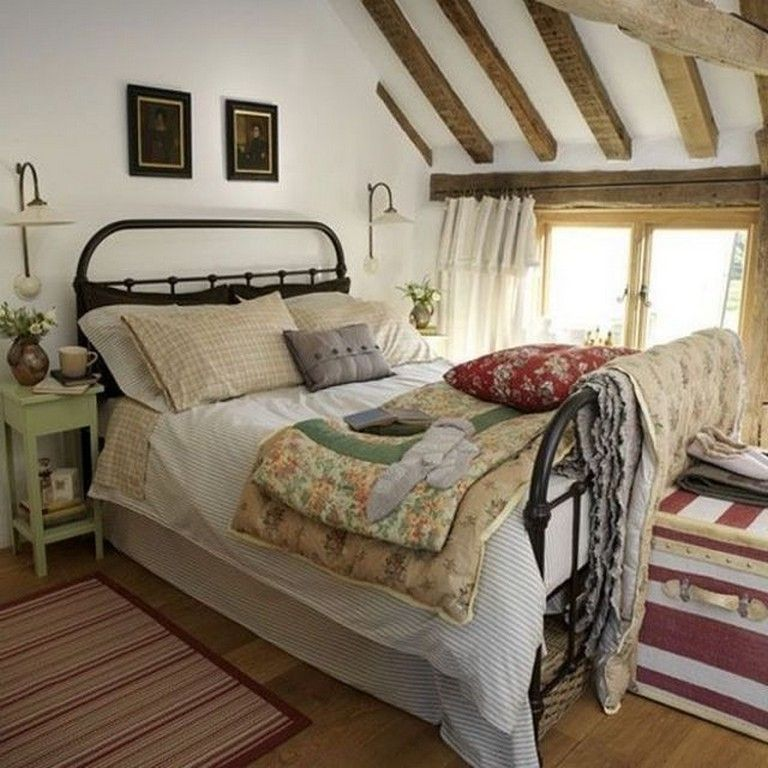 40 Rural Attic Bedroom Decor Ideas For Cottage Bedroom Bedroomdecor Bedroomdesig Country Style Bedroom Country Bedroom Design Country Cottage Bedroom Decor