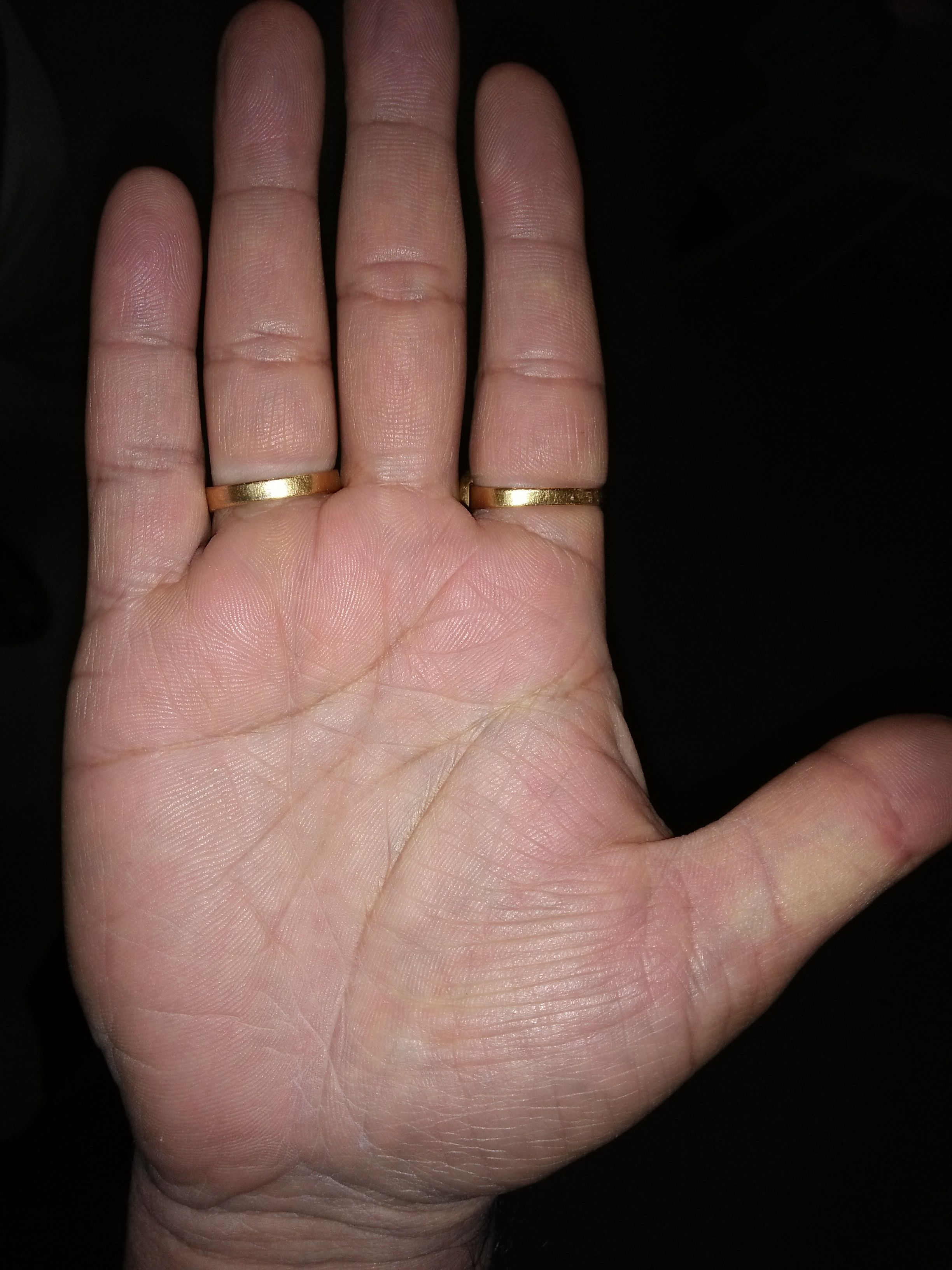 говорят, кольцо соломона на руке фото фон, изготовленный нетканого