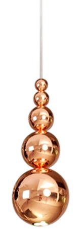 Bubble lampen er designet av Steve Jones for Innermostog minner om perler på en snor. De vakre perlerne er laget av stål og har en blank kobber overflate som reflekterer omgivelsene og gir en fin dybde. H47x Ø18cm, enLED pære 3 x 1W føler med.