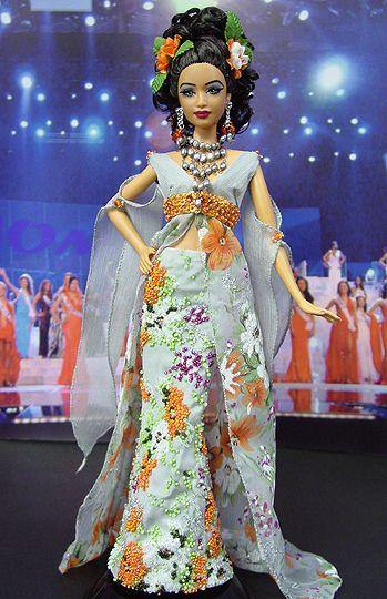 037ce0acf621 2005 OOAK Ninimomo s Miss Guam Barbie