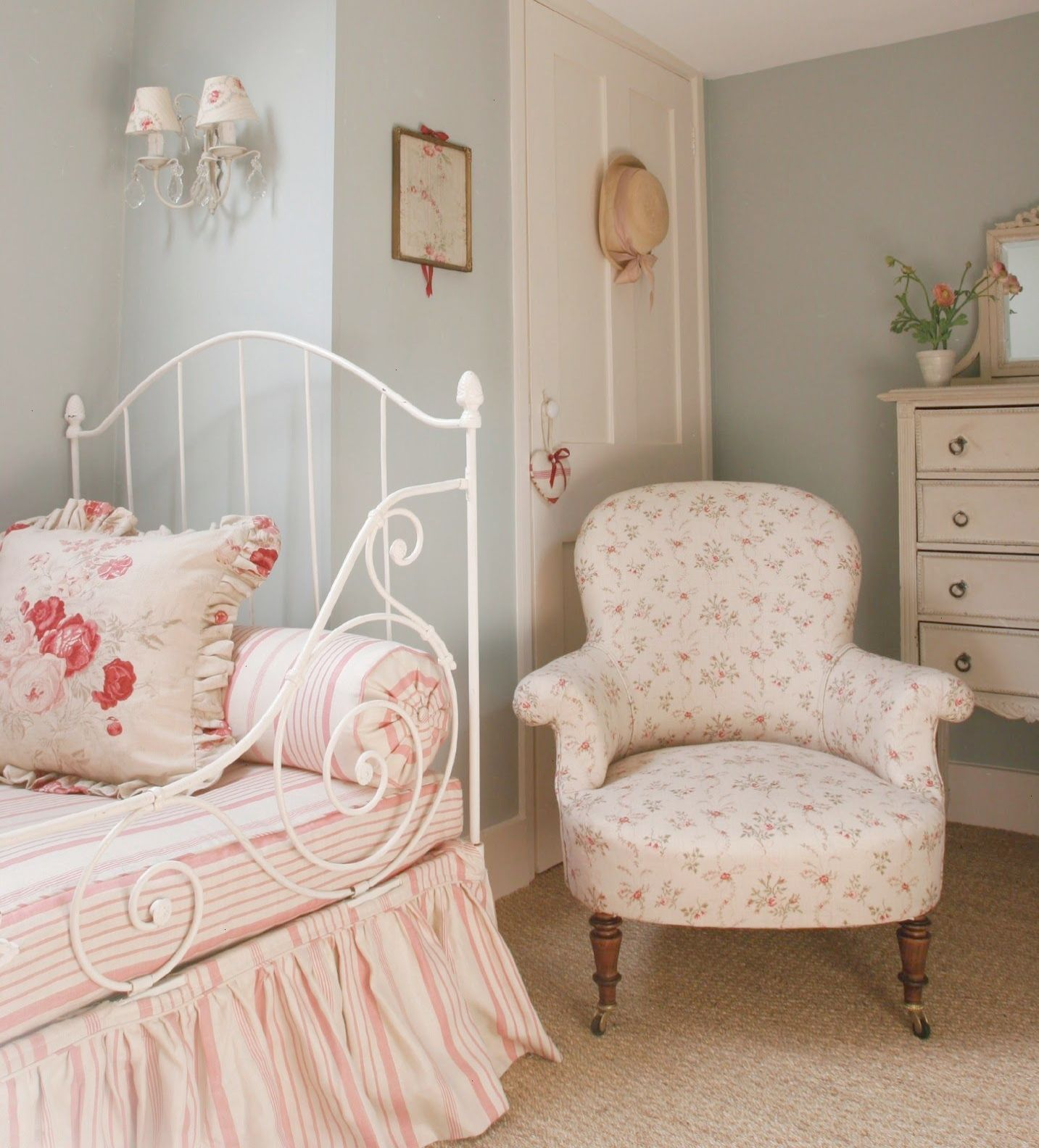 Cool... Cottage Style Furniture Near Me visit Shabby