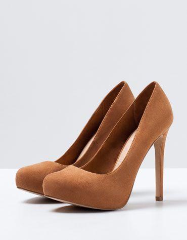 7014e1ae47c Platform · Court Shoes · Shoe · High Heeled Footwear · High Heel · Bershka  República Dominicana - Salón Bershka Plataforma Básico