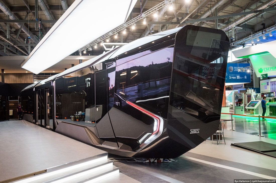Wc 2018 Preparations In Russia Moscow Is Getting These New Ridiculously Good Looking Hybrid Trams Imgur Public Transport Russian Tanks Russia
