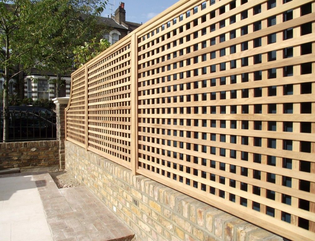 Best 25 trellis fence panels ideas on pinterest privacy for Lattice screen fence