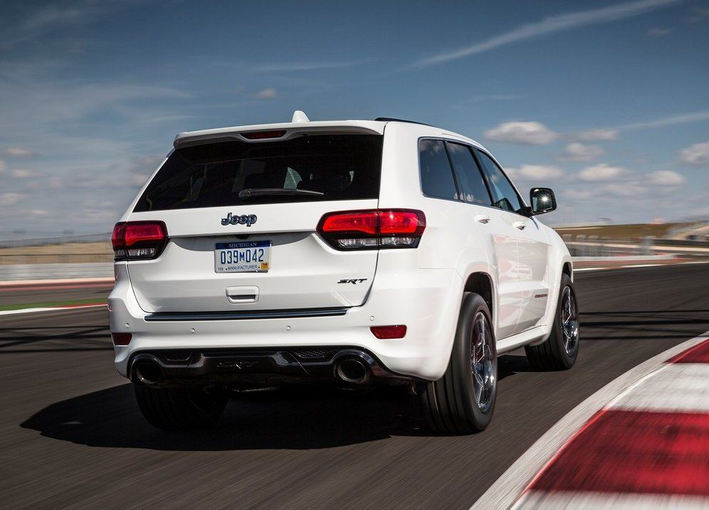 2017 Jeep Grand Cherokee Rear View White Color Taillights And Coches