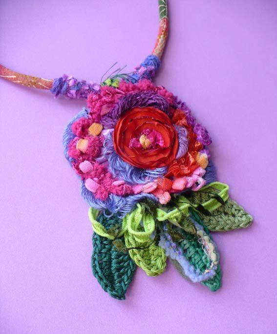 Dettaglio collana fiore rosso | by Elena Fiore