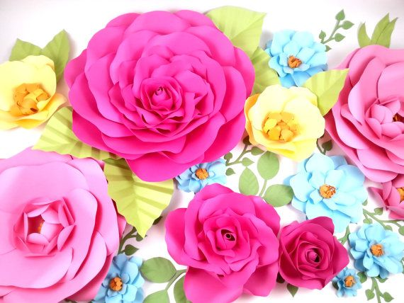 This listing is for flowers made in various sizes: (covers about a 3ft x 4 ft surface) - 1 x 18 - 2 x 14 - 2 x 12 - 5 x 8 - 4 x 5 - plenty of leaves  Flowers are delivered assemble ready for you to install onto your surface.  - Each flowers are designed and handmade with love by me. - Custom requests are welcome. - All white or custom colours.   Perfect for set designs, boutique store front, wedding or special events backdrop for photos of dessert/buffet table.