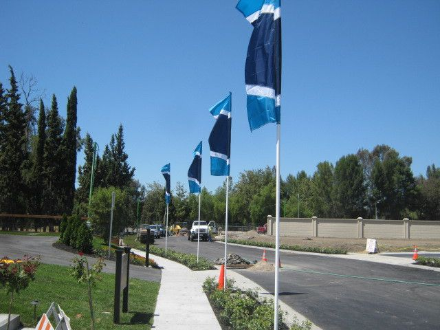 8' x 3' Free Flying Flags | MarketLine