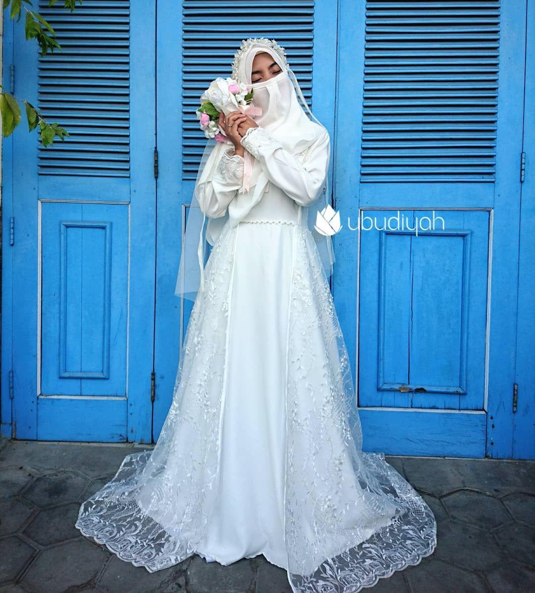 Pin oleh Habiba di ♡.H di 11  Gaun perkawinan, Pakaian