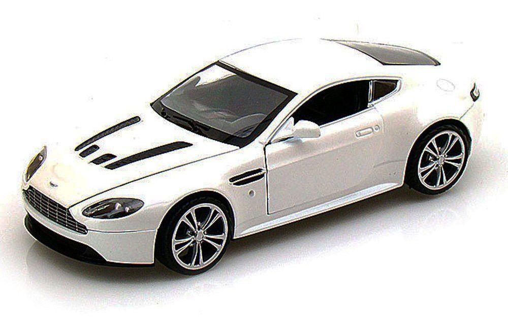 Motor Max Aston Martin V12 Vantage 1:24 Scale   1/24 Scale Diecast