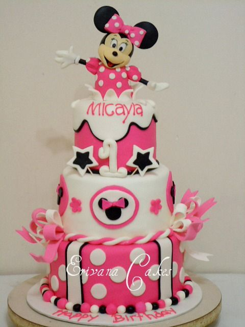 Minnie Mouse Birthday Cake by Erivana Cakes Mouse cake Minnie